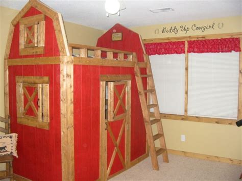 9 year old girl bedroom ideas red horse barn bed bedroom when my 9 year old daughter asked for barn bed my hubby