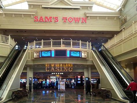 sams town rooms sam s town our favorite all casino rooms buffet and machines picture of gold strike