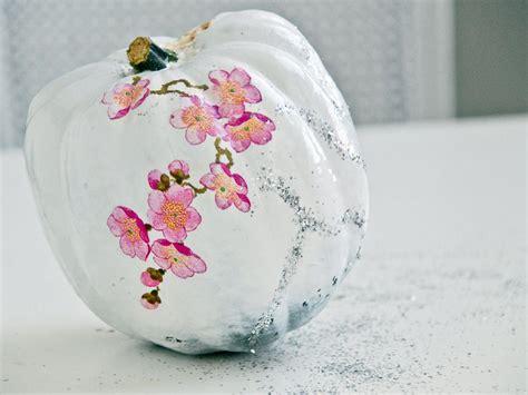 Decoupage On Plastic - dried flower decoupage