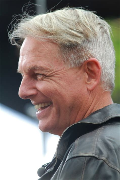 mark harmon haircut mark harmon photos photos mark harmon stops by extra