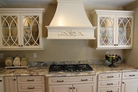 Biscotti Kitchen Cabinets Biscotti With Cocoa Glaze Cabinets Mf Cabinets