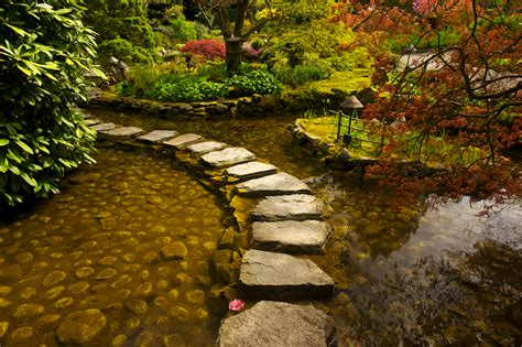 the japanese garden in butchart gardens rick holliday