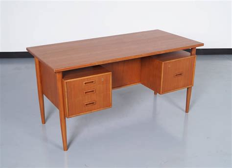 Best Modern Desk Modern Floating Top Desk At 1stdibs