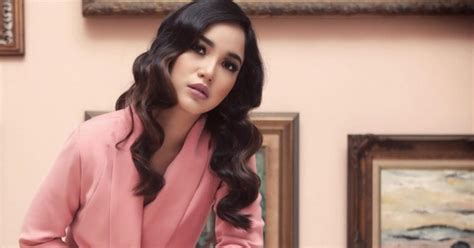 Dokter Kandungan Wanita Terbaik Di Semarang Chacha Frederica Dorong Para Wanita Lajang Hilangkan Takut