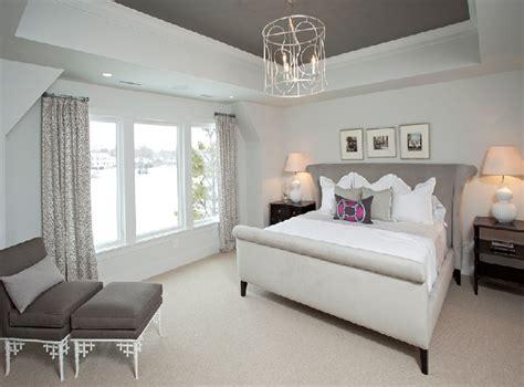 Gray Bedroom Tray Ceiling Quarto De Casal Rom 226 Ntico E Inspirador