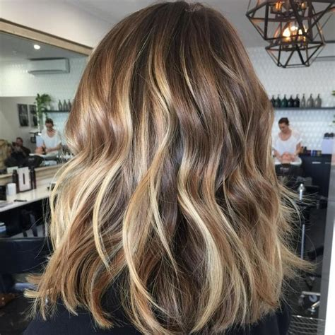 Brown With Light Brown Highlights by 17 Best Ideas About Brown Hair With Highlights On