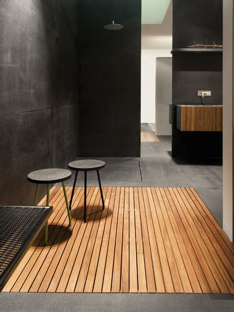 piatto doccia teak piatto doccia a doghe filo pavimento in teak piatto doccia