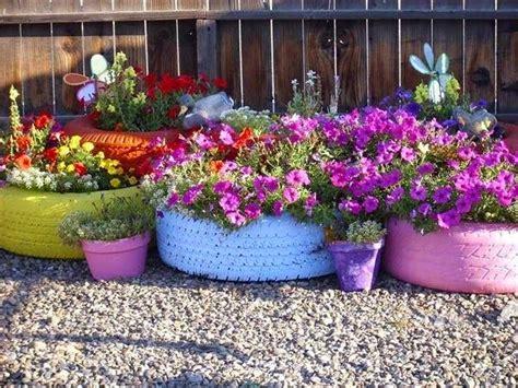 jardines de llantas macetas de llantas recicladas patios y jardines