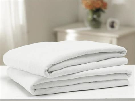 soft span 150 contour fitted sheets 3 dozen bh medwear fitted sheets bh medwear
