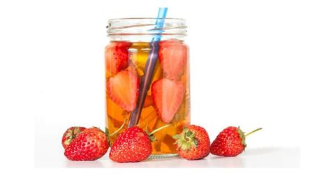 Orange And Strawberry Detox Water Benefits by 4 Strawberry Detox Water Recipes For Complete Cleanse