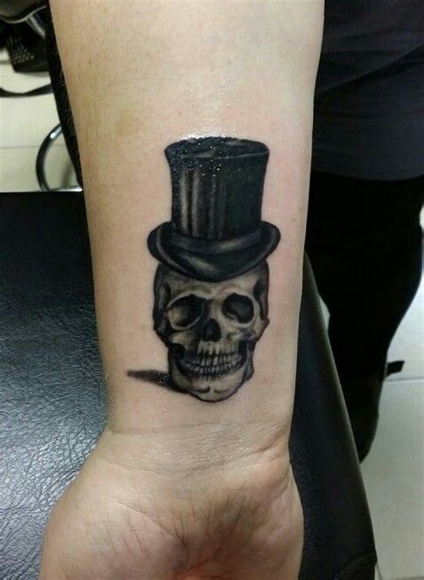 skull with tophat tattoo skull with tophat by me tattoos by me
