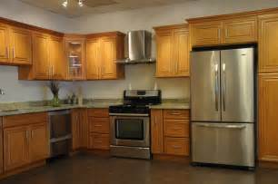 Honey Maple Kitchen Cabinets Honey Oak Kitchen Cabinets Home Design Traditional Kitchen