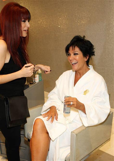 kim kardashian makeup organizer in her bathroom kim kardashian bathroom makeup organizer makeup daily