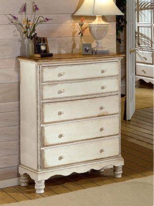 como pintar y renovar un mueble de madera paso a paso como pintar y c 243 mo pintar y decorar un mueble blanco con efecto