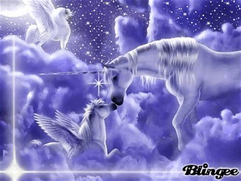 imagenes de unicornios con movimiento fotos animadas familia de unicornios para compartir