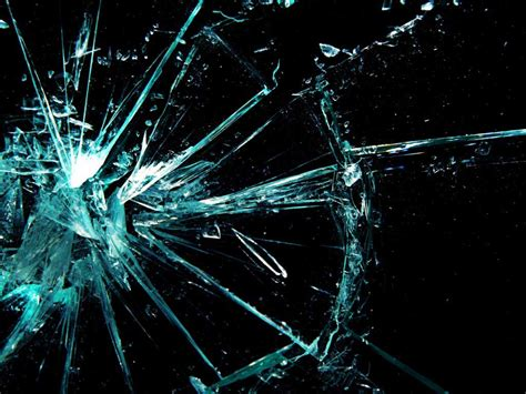 wallpaper 3d kaca pecah free broken glass wallpaper 1024x768 33602