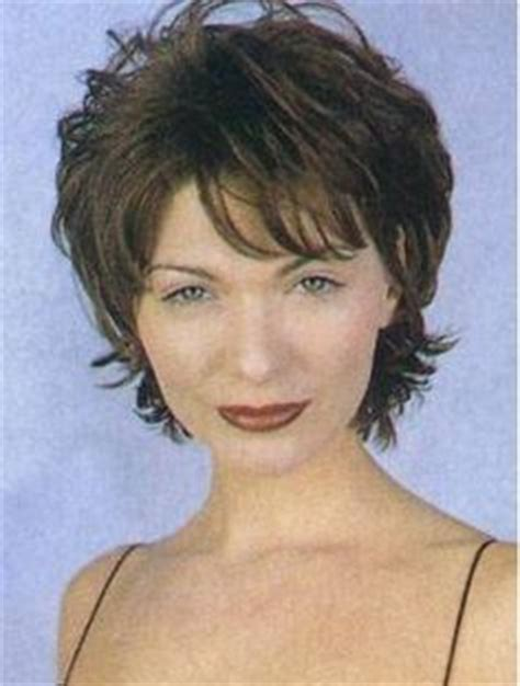 short flip hairstyles for women over 50 hair styles on pinterest pixie cuts lisa rinna and