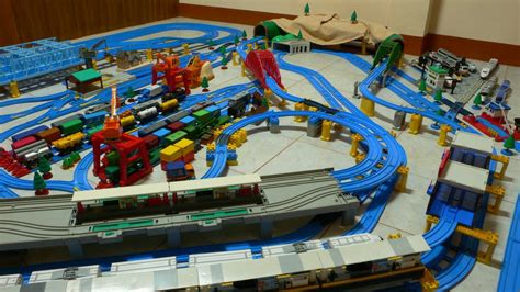 layout ultimate 2006 tomy trains and layouts