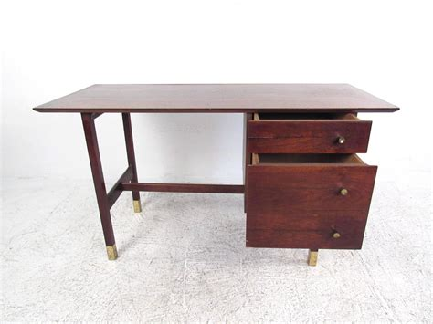 Mid Century Modern Writing Desk For Sale At 1stdibs Mid Century Modern Writing Desk