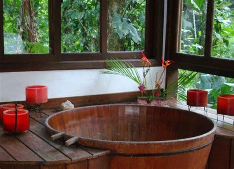 baignoire en bois japonaise comment concevoir une salle de bain japonaise