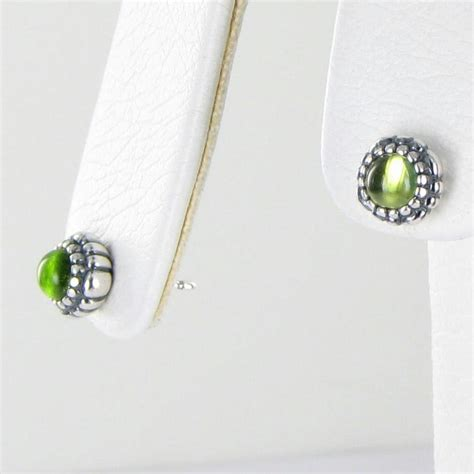 pandora 290543pe birthday blooms earrings august peridot