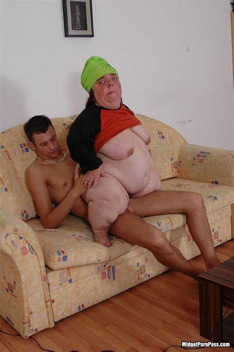 Fat Ugly Midget Fucked By Normal Guy Pichunter