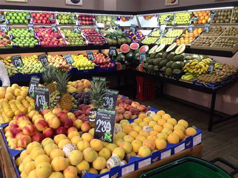 fruteria y entrevista a jos 233 miguel due 241 o de la fruter 237 a qu 233 frutas