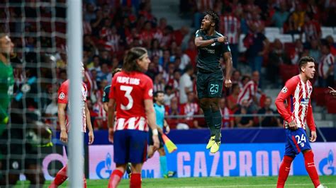 chelsea atletico madrid michy batshuayi scores at the death as chelsea stun