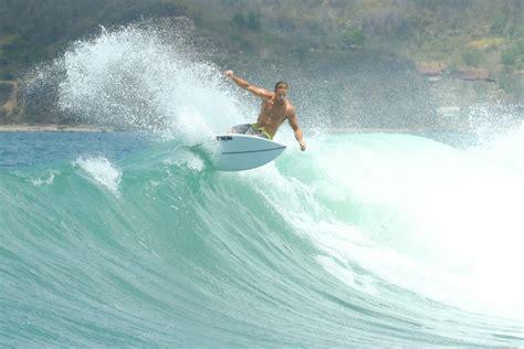 lombok surf spots complete guide