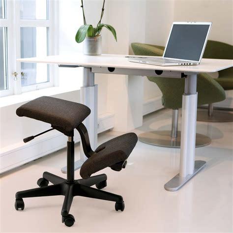 sgabello varier idee come scegliere la sedia ergonomica per la scrivania