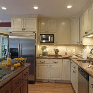 cream color kitchen cabinets 1000 ideas about cream colored kitchens on pinterest