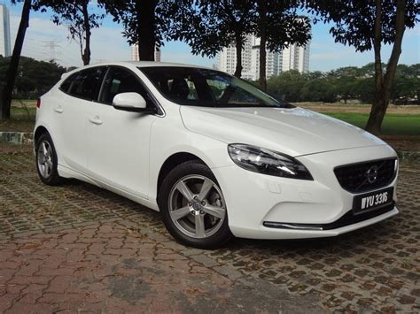 volvo v40 t4 review test drive review volvo v40 t4 autofreaks