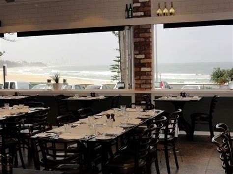 inside picture of the fish house burleigh heads
