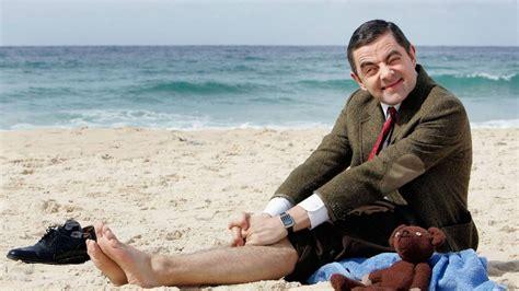 bean chooses greece   summer vacation neos kosmos