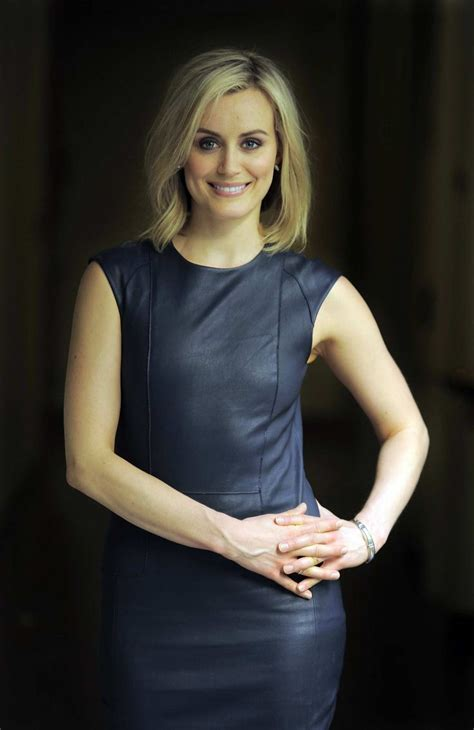 taylor schilling tattoo 25 best ideas about schilling hair on