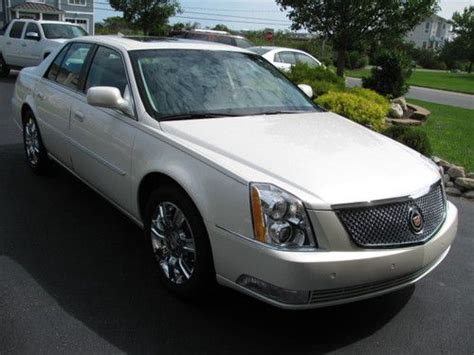 Cadillac Dts Platinum by Purchase Used 2011 Cadillac Dts Platinum 18k White