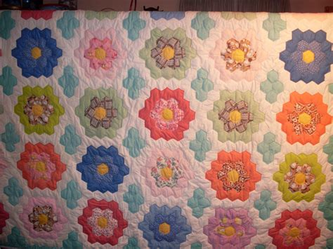 Grandmother S Flower Garden Quilt Pattern Grandmothers Flower Garden Quilt Grandmothers Flower