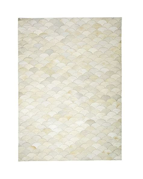 scalloped rug scalloped hide rugscalloped hide rug serenaandlily rugs stains living rooms