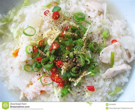 asiatische len asiatische reis suppe mit frischen bestandteilen