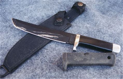 inside the sword cold by river custom knives