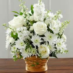 The ftd 174 heartfelt condolences arrangement