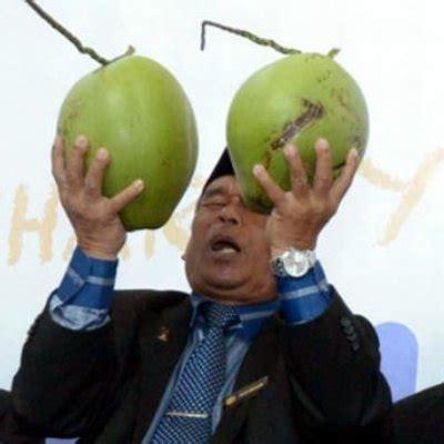 malaysian bomoh jawi polis buru raja bomoh