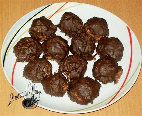 cioccolatini fatti in casa ripieni cioccolatini ripieni di nocciole ricetta facile