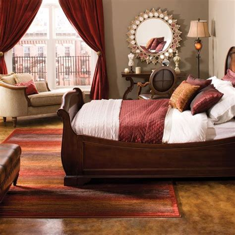 Burgundy Bedroom Decorating Ideas by Best 25 Maroon Bedroom Ideas On Maroon Room