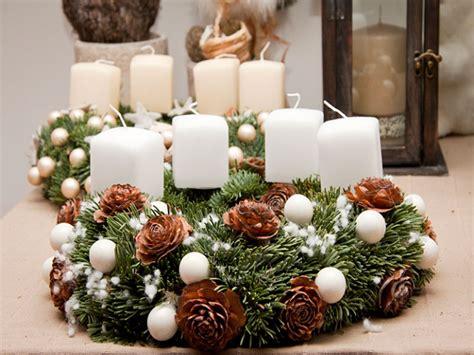 centro tavola natale fai da te idee per addobbi natalizi la tavola di natale