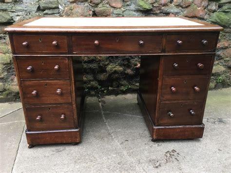 Small Antique Desks 19th Century Small Kneehole Pedestal Desk Loveantiques