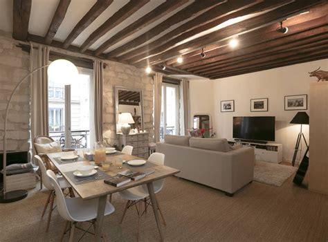 decoration salle salon maison d 233 coration d un salon avec chaises eames table bois