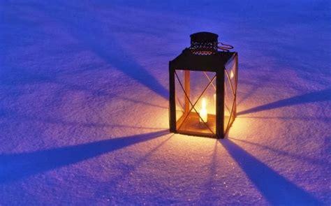 accendi una candela accendi una luce nella notte festa di solidariet 224