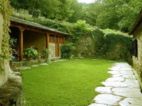 modern house garden