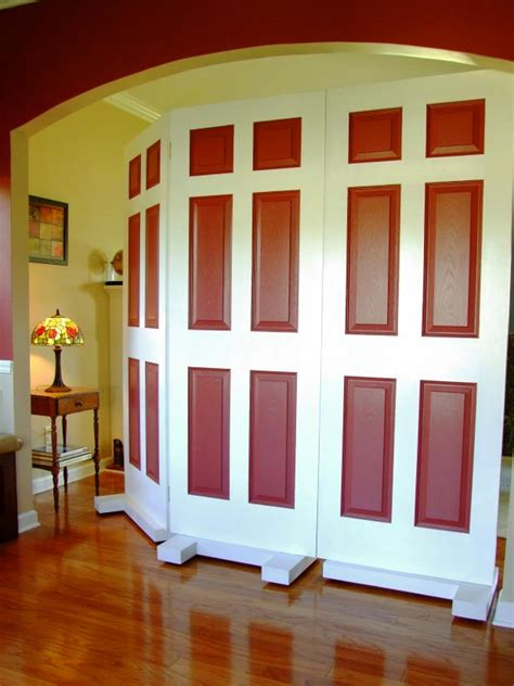 How To Build A Privacy Screen Using Door How Tos Diy How To Make Room Dividers